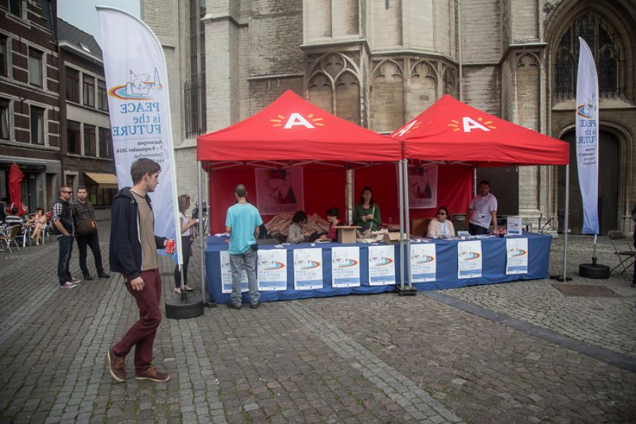 The Meeting of Prayer for Peace in Antwerpen is about to start! Many people are at work. They know #peaceisthefuture